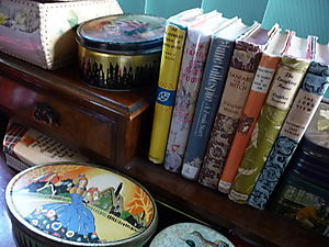 Vintage books & tins 003