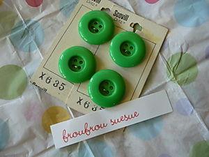 Vintage Button Swap01