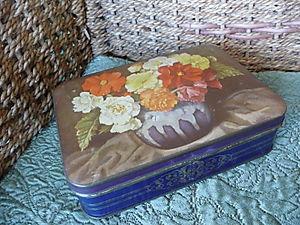 Vintage Floral Tin 01