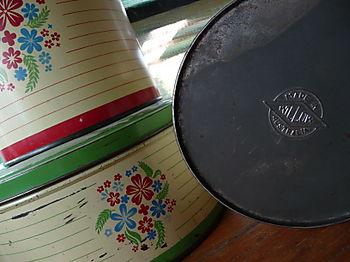Vintage Willow Tins