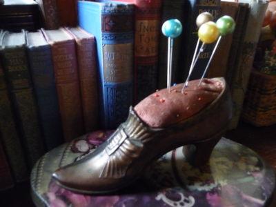 VintageShoePincushion