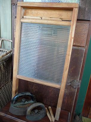 VintageWashboard&Irons.1