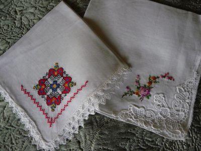 EmbroideredVintageHankies