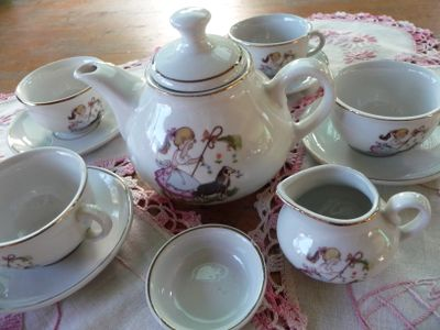 Toy Tea Set & Pink doyleys