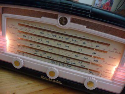50s Pink Radiola