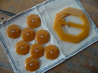Butterscotch buttons & buckle