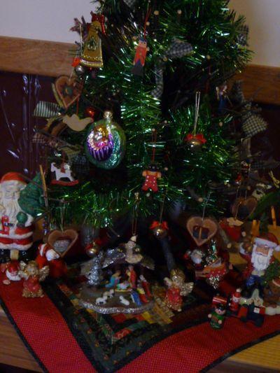 Vtt ~ Christmas ornies 013