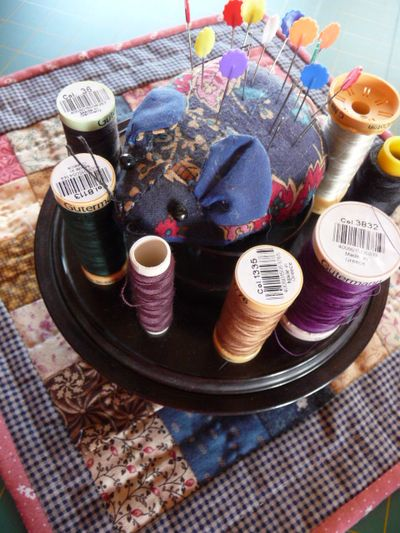 Vtt ~ bakelite sewing organizer 008