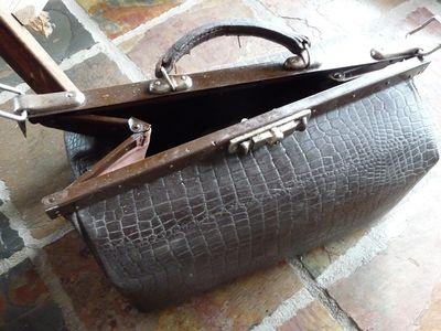 Vtt~gladstone bag (2)