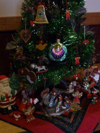Vtt ~ Christmas ornies 012