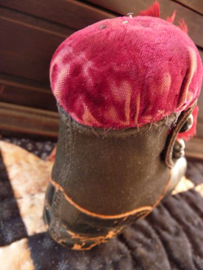 Victorian boot pincushion 005