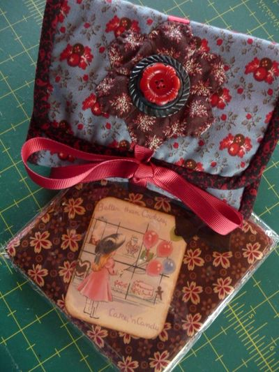Needle case & charms for Bonnie