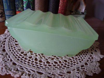 Jadeite art deco dish (1)