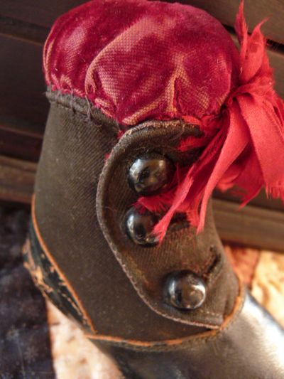 Victorian boot pincushion 003