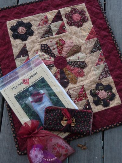 Quilt & goodies for Jan