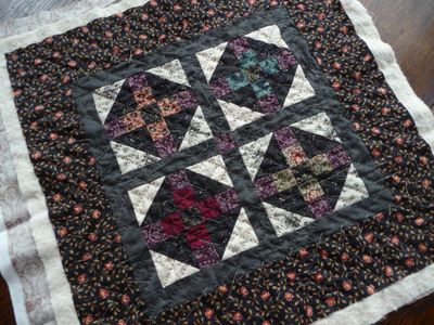 Crosses mourning quilt (1)