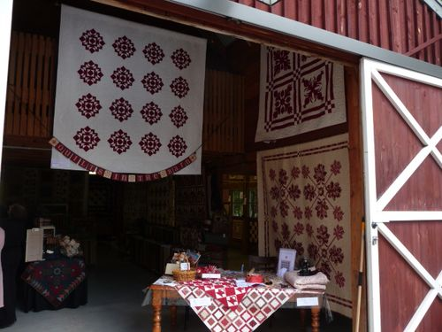 Quilts In The Barn (2)
