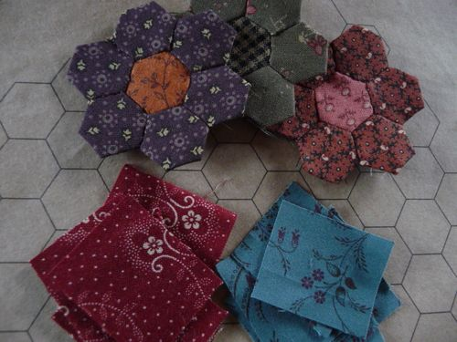 Mini hexagon flower blocks (10)
