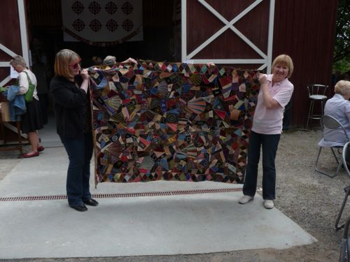 Quilts In The Barn (78)