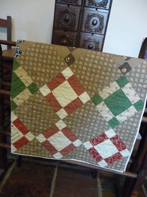 Antique Crib Quilt (2)
