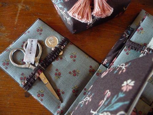 Victorian sewing étui (6)