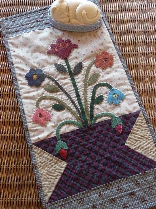 Flowerpot Applique Quilt (8)