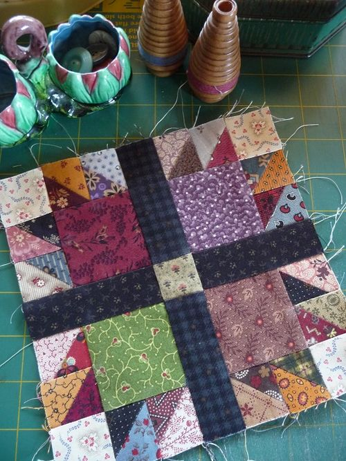 SQ Challenge Jan2014~Bear's Paw Quilt (7)