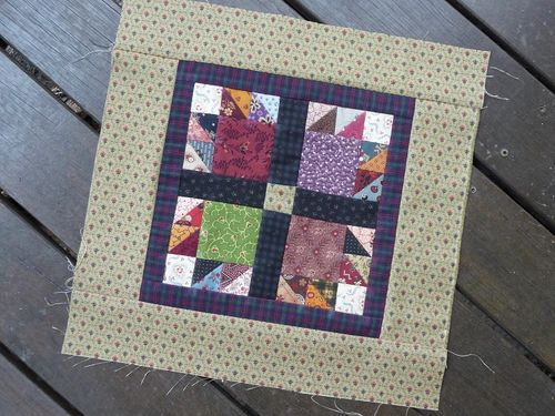 SQ Challenge Jan2014~Bear's Paw Quilt (9)