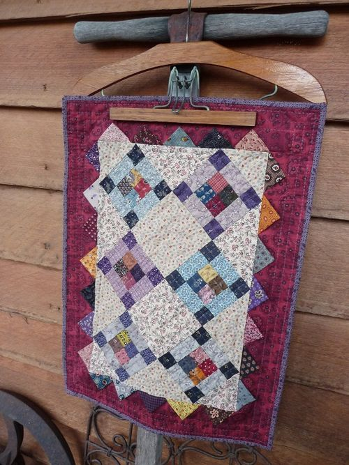 Prairie Points Doll Quilt (1b)
