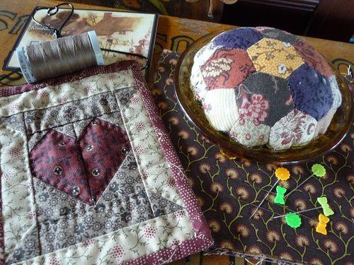 Pincushion & goodies for Bronwyn