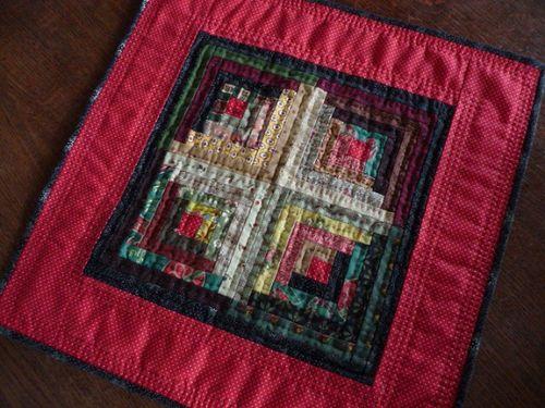 Mini log cabin quilt