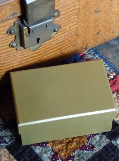 A little golden box