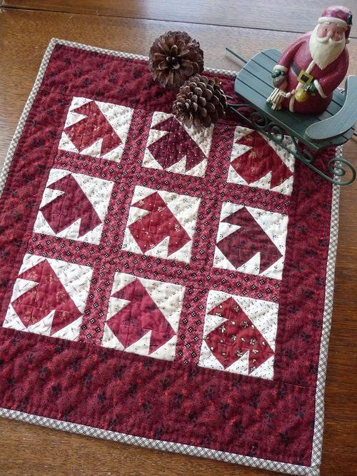 R&W mini T- quilt (1a)