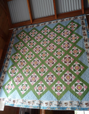 A Celebration of Antique Quilts (2)