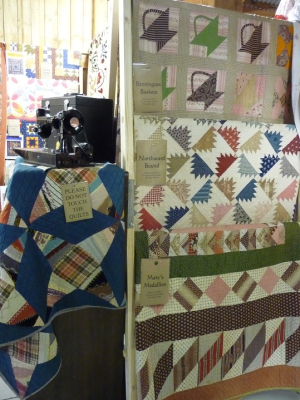 A Celebration of Antique Quilts (20)
