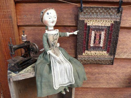 Maribel & her quilt (1)