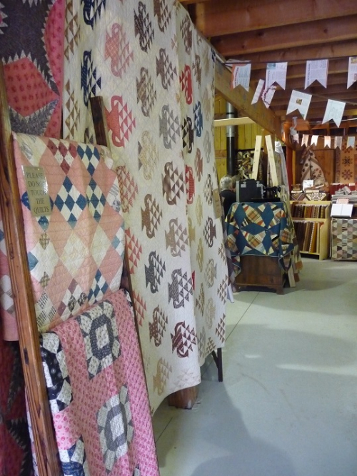 A Celebration of Antique Quilts (40)